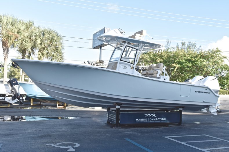 Thumbnail 4 for New 2019 Sportsman Open 282 TE Center Console boat for sale in Miami, FL