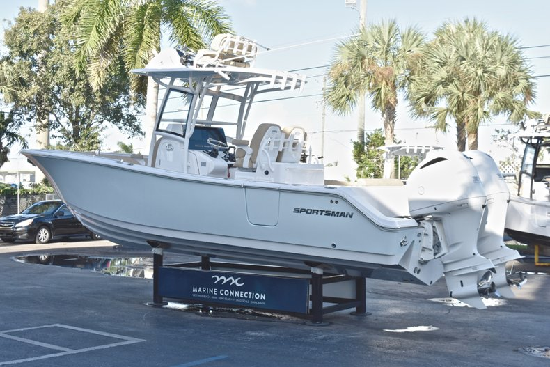 Thumbnail 6 for New 2019 Sportsman Open 282 TE Center Console boat for sale in Miami, FL