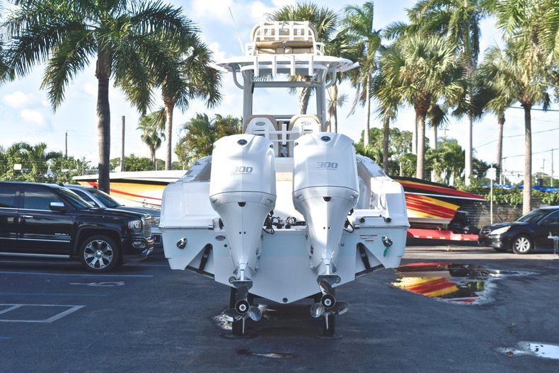 Thumbnail 7 for New 2019 Sportsman Open 282 TE Center Console boat for sale in Miami, FL
