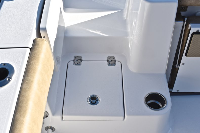 Thumbnail 12 for New 2019 Sportsman Open 282 TE Center Console boat for sale in Miami, FL