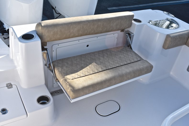Thumbnail 15 for New 2019 Sportsman Open 282 TE Center Console boat for sale in Miami, FL