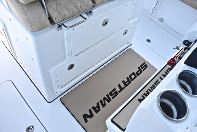 Thumbnail 34 for New 2019 Sportsman Open 282 TE Center Console boat for sale in Miami, FL