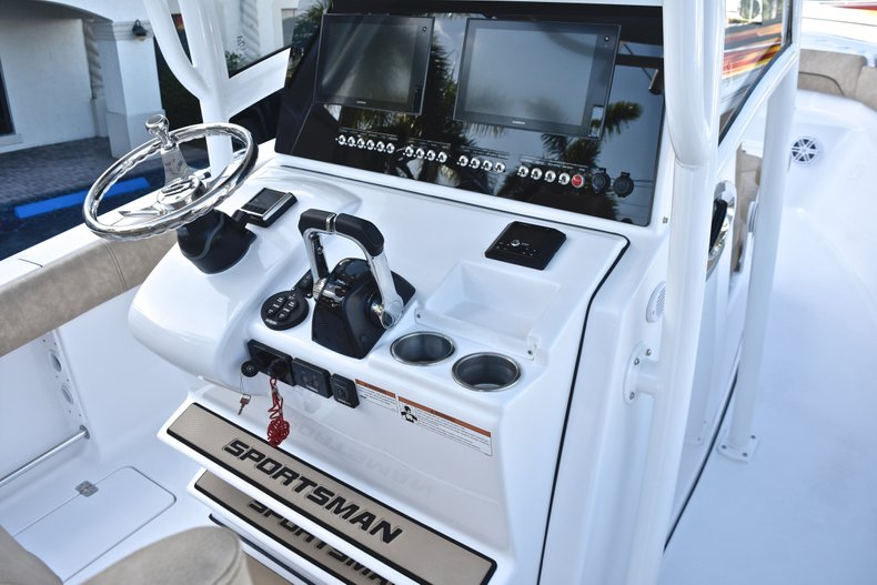 Thumbnail 37 for New 2019 Sportsman Open 282 TE Center Console boat for sale in Miami, FL