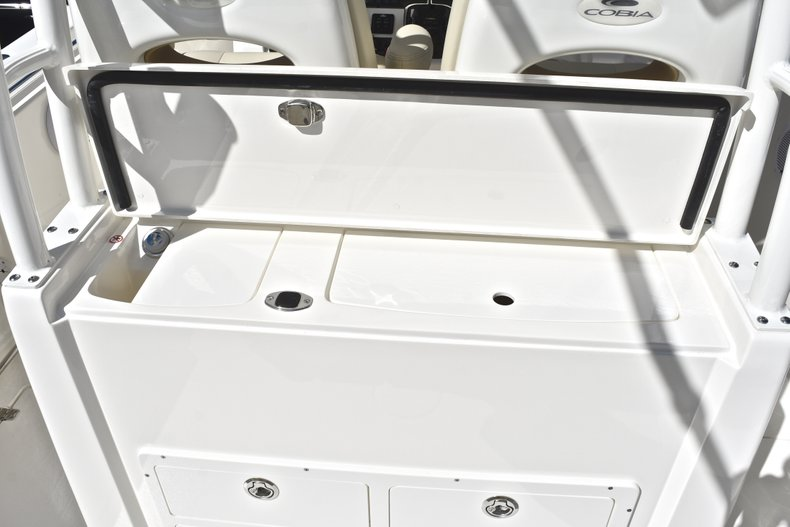 Thumbnail 31 for New 2019 Cobia 301 CC Center Console boat for sale in Fort Lauderdale, FL
