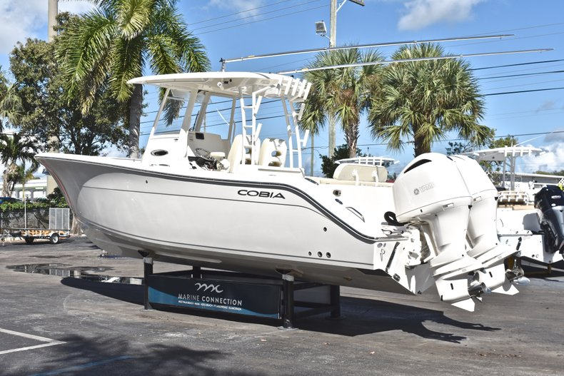 Thumbnail 6 for New 2019 Cobia 301 CC Center Console boat for sale in Fort Lauderdale, FL