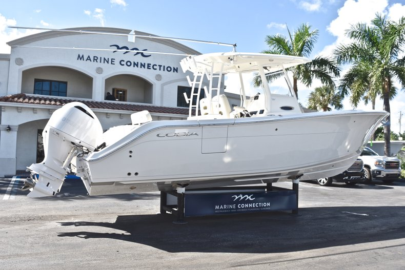 Thumbnail 8 for New 2019 Cobia 301 CC Center Console boat for sale in Miami, FL