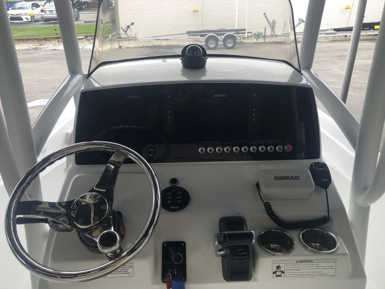 Thumbnail 3 for Used 2015 Sportsman Masters 247 Bay Boat boat for sale in Miami, FL
