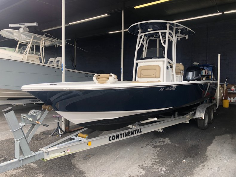 Thumbnail 0 for Used 2015 Sportsman Masters 247 Bay Boat boat for sale in Miami, FL