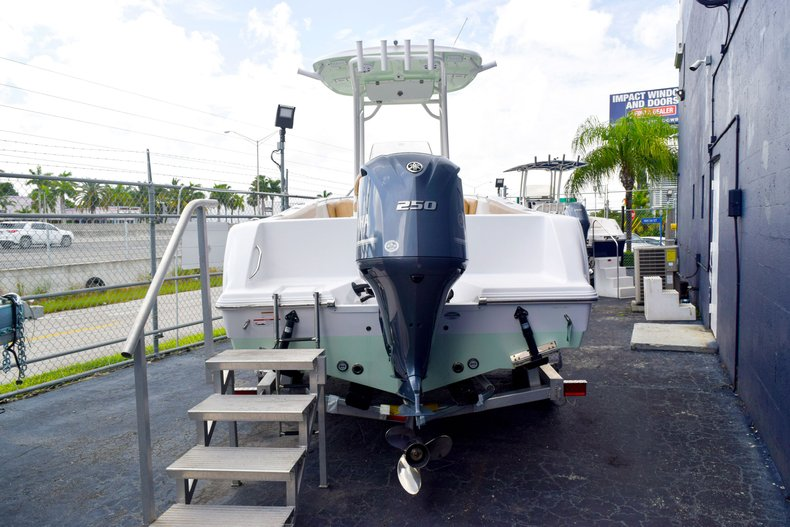 Thumbnail 3 for New 2019 Sportsman Heritage 231 Center Console boat for sale in Miami, FL