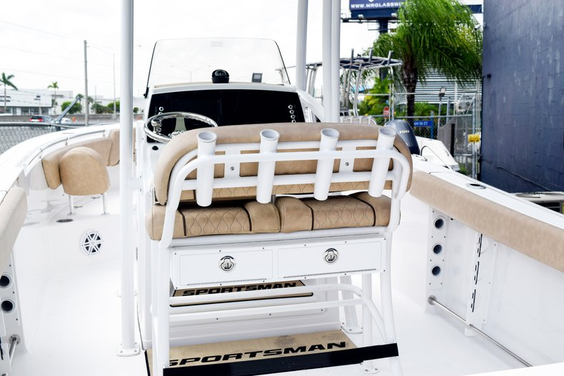 Thumbnail 6 for New 2019 Sportsman Heritage 231 Center Console boat for sale in Miami, FL