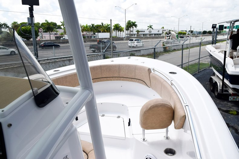 Thumbnail 10 for New 2019 Sportsman Heritage 231 Center Console boat for sale in Miami, FL