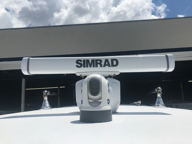 Thumbnail 3 for Used 2018 Sportsman Open 312 Center Console boat for sale in Miami, FL