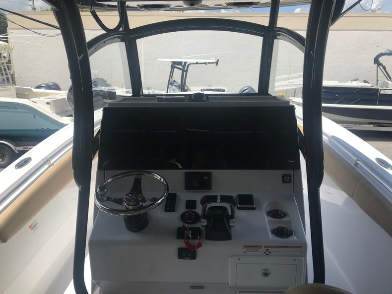 Thumbnail 1 for Used 2018 Sportsman Open 312 Center Console boat for sale in Miami, FL