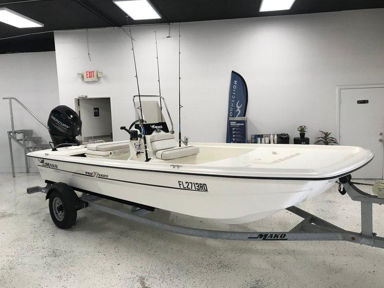 Used 2016 Mako Pro Skiff 17 boat for sale in Miami, FL