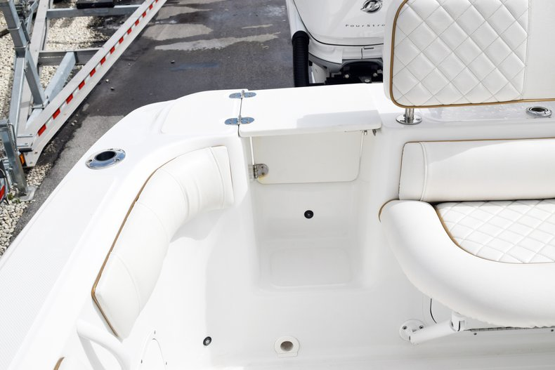 Thumbnail 12 for Used 2018 Glasstream 328 boat for sale in Miami, FL