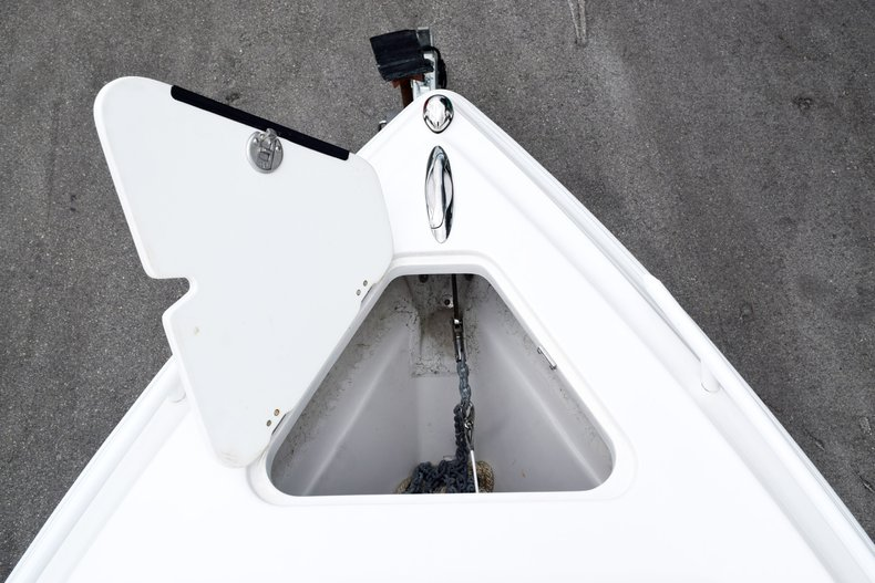 Thumbnail 101 for Used 2018 Glasstream 328 boat for sale in Miami, FL