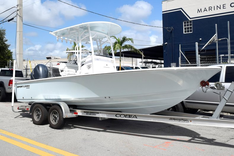 Thumbnail 1 for New 2020 Sportsman Masters 227 Bay Boat boat for sale in Miami, FL