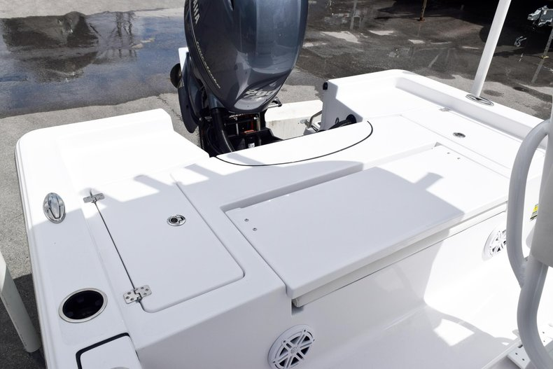 Thumbnail 12 for New 2020 Sportsman Masters 227 Bay Boat boat for sale in Miami, FL