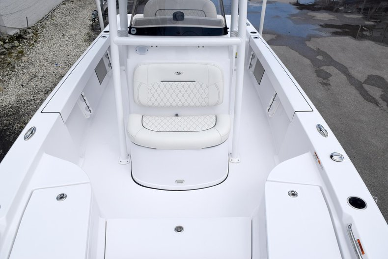 Thumbnail 58 for New 2020 Sportsman Masters 227 Bay Boat boat for sale in Miami, FL