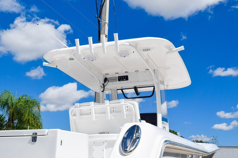 Thumbnail 7 for Used 2018 Sea Hunt Game Fish 30 Center Console boat for sale in Miami, FL