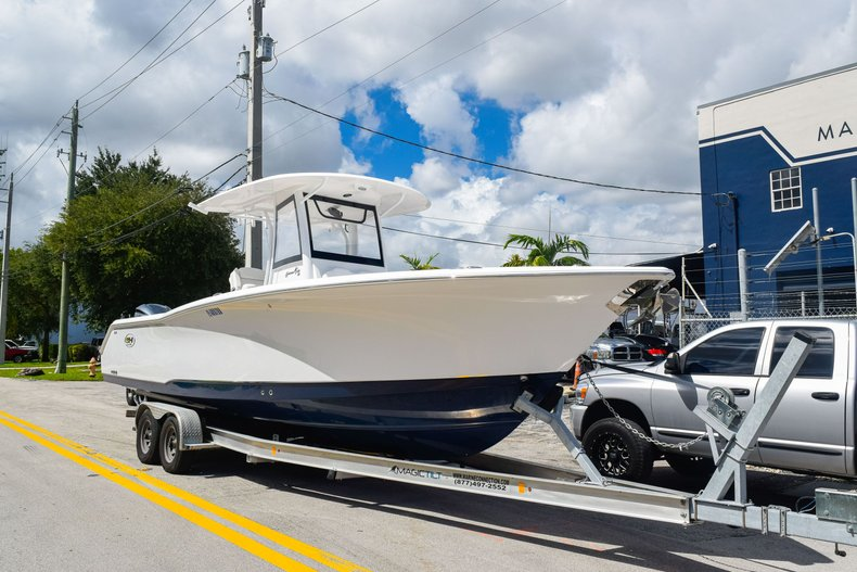 Thumbnail 1 for Used 2018 Sea Hunt Game Fish 30 Center Console boat for sale in Miami, FL