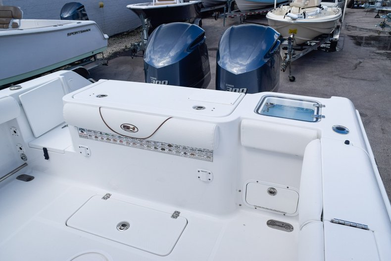 Thumbnail 8 for Used 2018 Sea Hunt Game Fish 30 Center Console boat for sale in Miami, FL