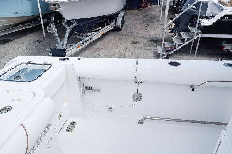 Thumbnail 17 for Used 2018 Sea Hunt Game Fish 30 Center Console boat for sale in Miami, FL