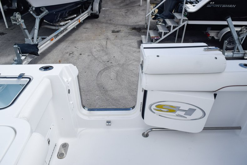 Thumbnail 18 for Used 2018 Sea Hunt Game Fish 30 Center Console boat for sale in Miami, FL