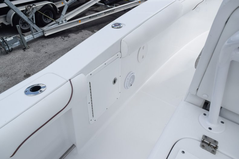 Thumbnail 34 for Used 2018 Sea Hunt Game Fish 30 Center Console boat for sale in Miami, FL
