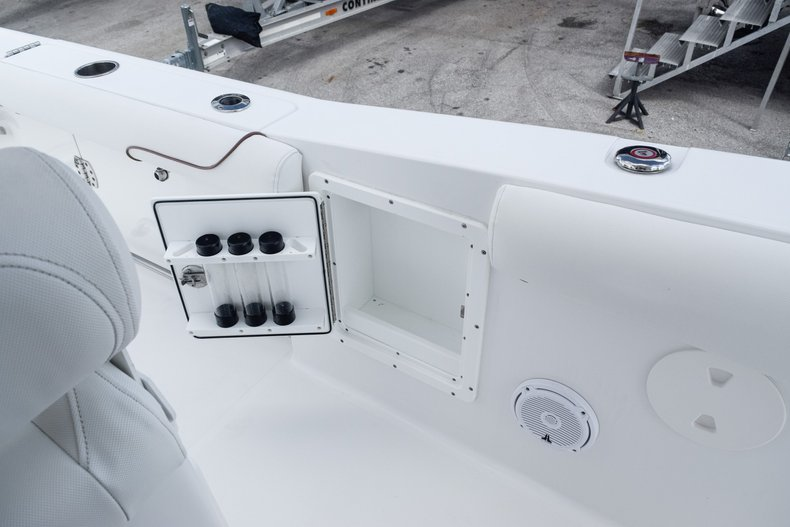 Thumbnail 35 for Used 2018 Sea Hunt Game Fish 30 Center Console boat for sale in Miami, FL