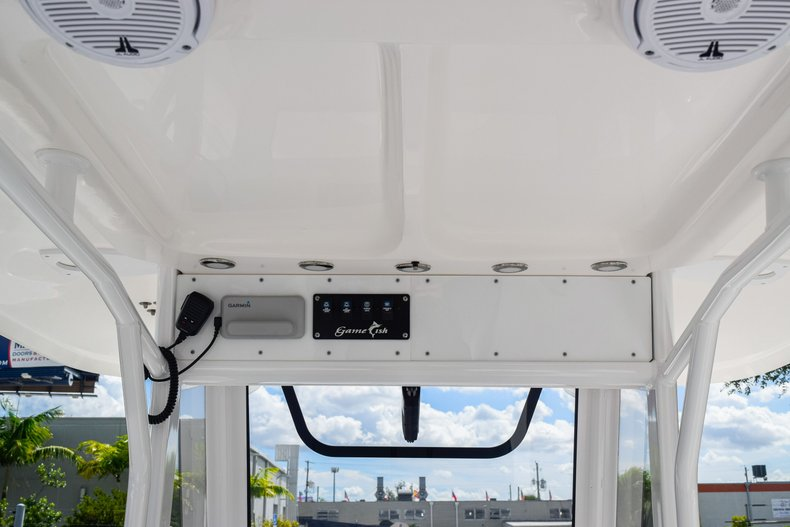 Thumbnail 40 for Used 2018 Sea Hunt Game Fish 30 Center Console boat for sale in Miami, FL