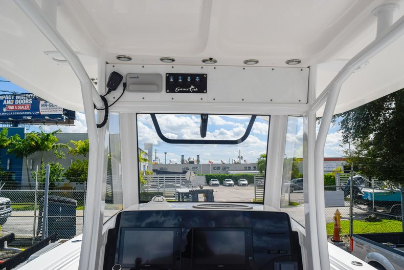 Thumbnail 42 for Used 2018 Sea Hunt Game Fish 30 Center Console boat for sale in Miami, FL