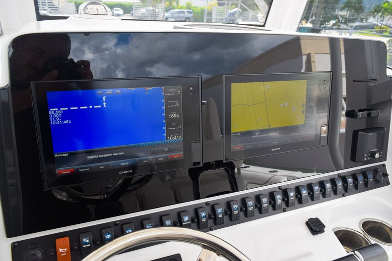 Thumbnail 52 for Used 2018 Sea Hunt Game Fish 30 Center Console boat for sale in Miami, FL