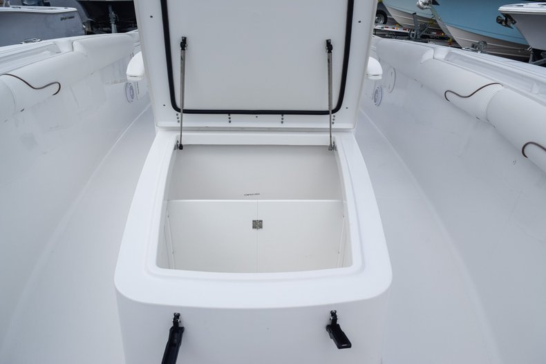 Thumbnail 58 for Used 2018 Sea Hunt Game Fish 30 Center Console boat for sale in Miami, FL