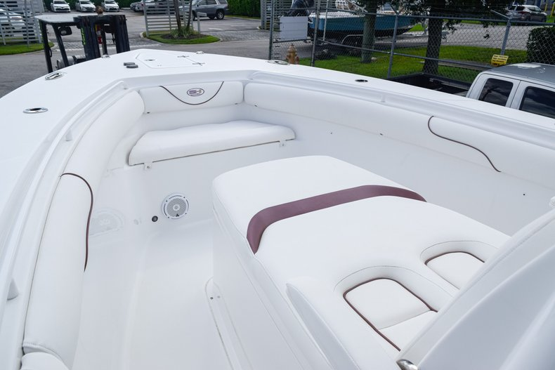 Thumbnail 56 for Used 2018 Sea Hunt Game Fish 30 Center Console boat for sale in Miami, FL