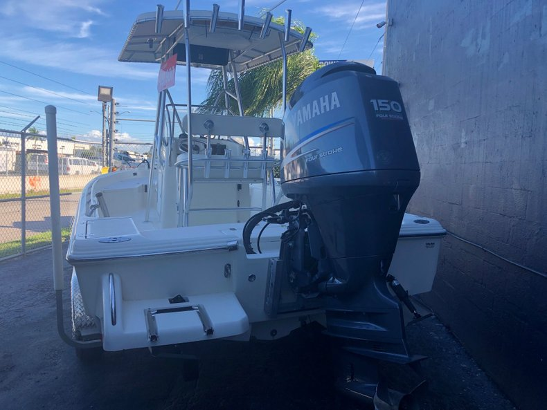 Thumbnail 5 for Used 2004 Scout 220 Bay Scout boat for sale in Miami, FL