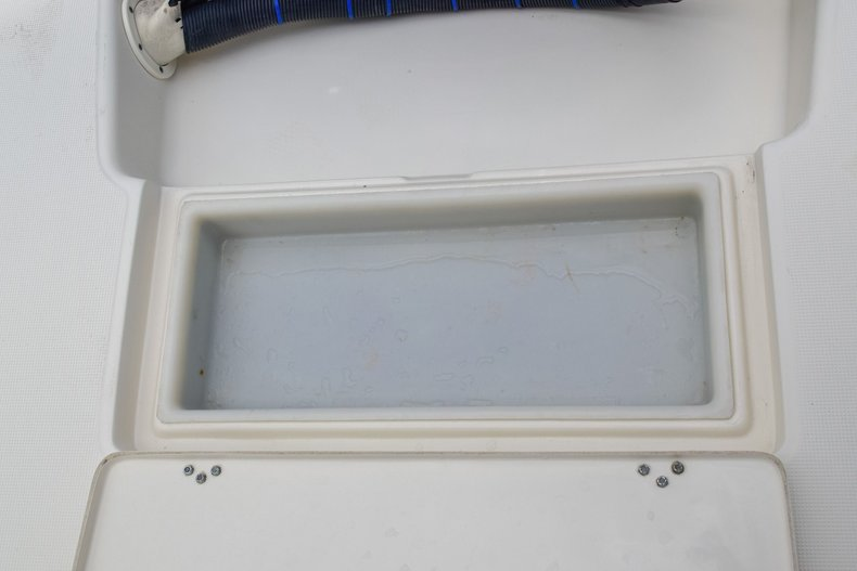 Thumbnail 15 for Used 2004 Scout 220 Bay Scout boat for sale in Miami, FL