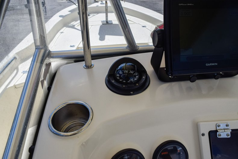 Thumbnail 31 for Used 2004 Scout 220 Bay Scout boat for sale in Miami, FL