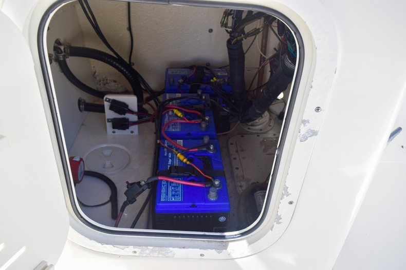 Thumbnail 43 for Used 2004 Scout 220 Bay Scout boat for sale in Miami, FL