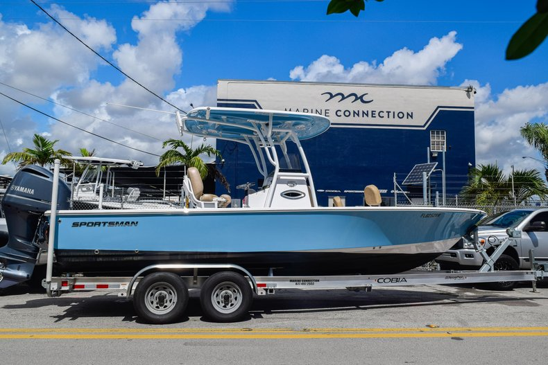 Thumbnail 0 for Used 2019 Sportsman Masters 247 Bay Boat boat for sale in Miami, FL