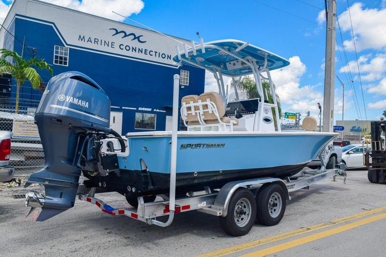 Thumbnail 7 for Used 2019 Sportsman Masters 247 Bay Boat boat for sale in Miami, FL
