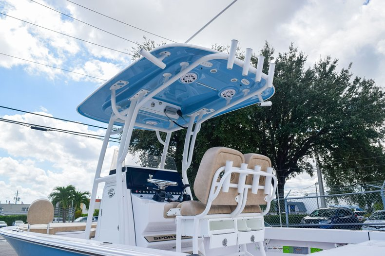 Thumbnail 8 for Used 2019 Sportsman Masters 247 Bay Boat boat for sale in Miami, FL