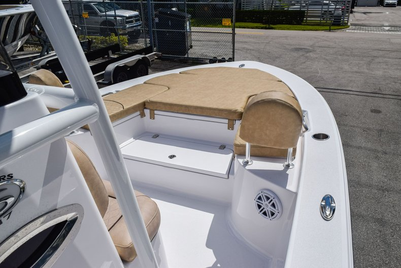 Thumbnail 35 for Used 2019 Sportsman Masters 247 Bay Boat boat for sale in Miami, FL