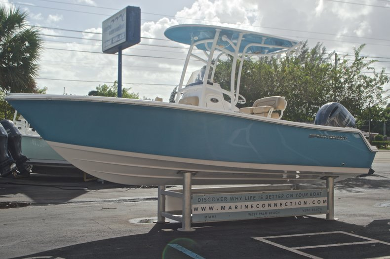 Thumbnail 4 for New 2017 Sportsman Open 212 Center Console boat for sale in Fort Lauderdale, FL