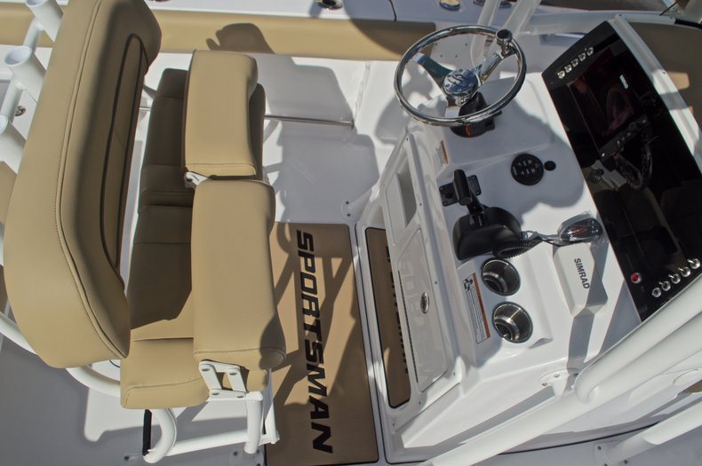 Thumbnail 29 for New 2017 Sportsman Open 212 Center Console boat for sale in Fort Lauderdale, FL