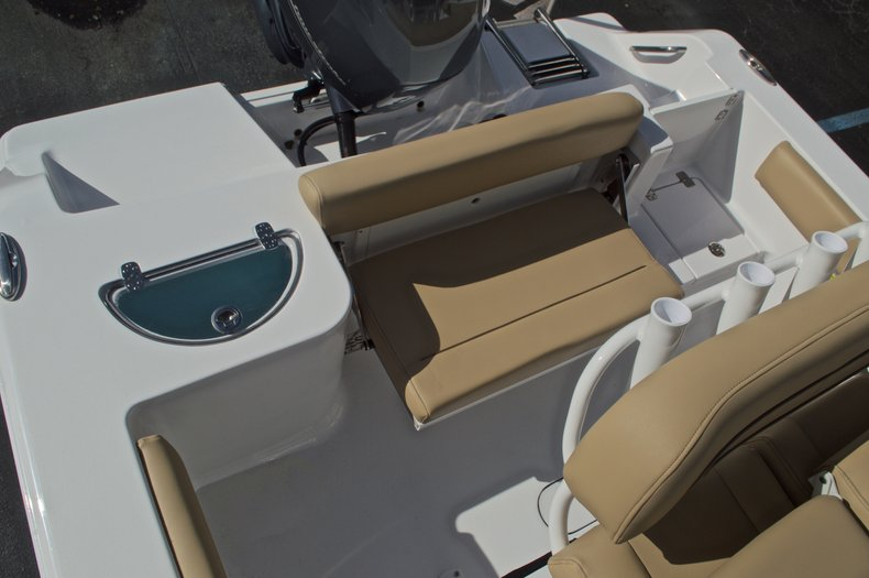 Thumbnail 16 for New 2017 Sportsman Open 212 Center Console boat for sale in Fort Lauderdale, FL