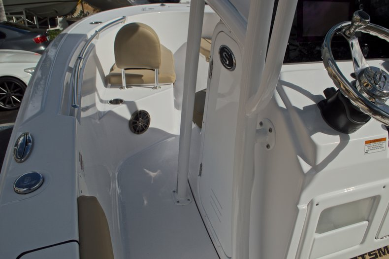 Thumbnail 40 for New 2017 Sportsman Open 212 Center Console boat for sale in Fort Lauderdale, FL