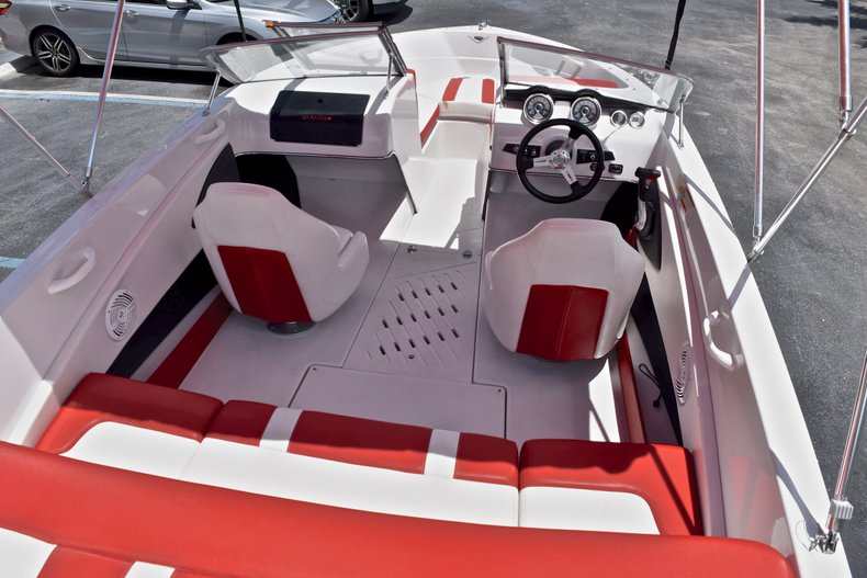 Thumbnail 8 for Used 2014 Glastron GT185 Bowrider boat for sale in Fort Lauderdale, FL