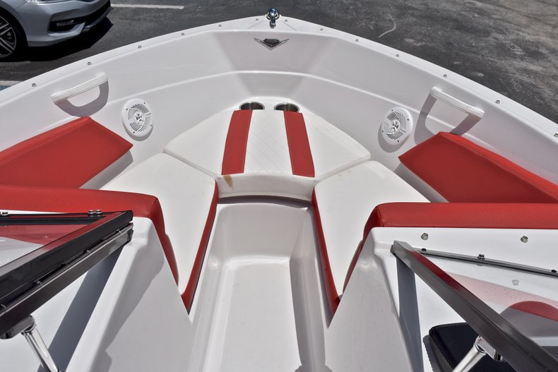 Thumbnail 38 for Used 2014 Glastron GT185 Bowrider boat for sale in Fort Lauderdale, FL
