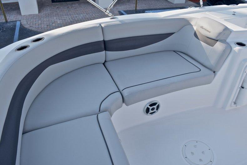 Thumbnail 21 for New 2018 Hurricane 203 SunDeck Sport OB boat for sale in Fort Lauderdale, FL